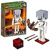 LEGO Minecraft BigFig Minecraft: Esqueleto con Cubo de Magma - Juguete de construcción y aventuras basado en personajes del videojuego (21150)