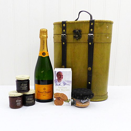 veuve-clicquot-and-nibbles-gift-food-hamper-perfect-gift-idea-for-birthday-anniversary-and-congratul