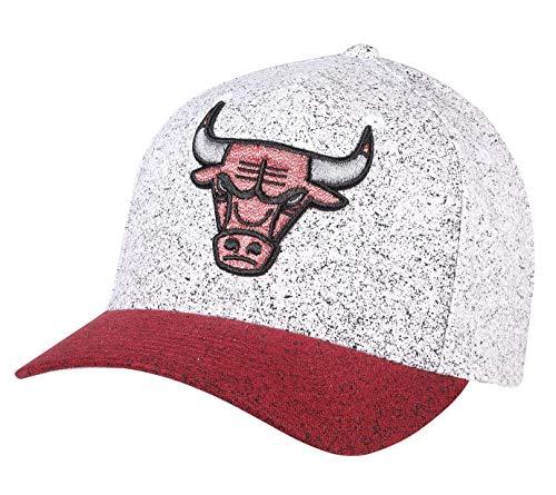 Mitchell & Ness 110 No Rest Snapback Chicago Bulls White/red