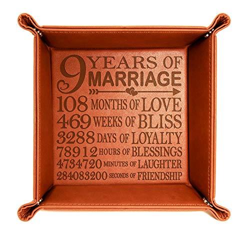 Kate Posh 9 Years of Marriage Leder-Tablett mit Gravur Our 9th Wedding Anniversary, 9 Years of Husband & Wife, Geschenke für Sie, für Ihn, für Paare (Rohleder)