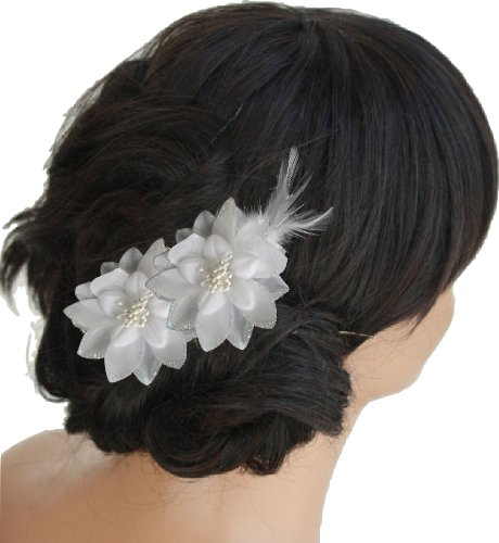 Shropshire Supplies White Fabric Hair Flowers with glitter edge and feathers on a forked beak clip (Flowers) by Generic