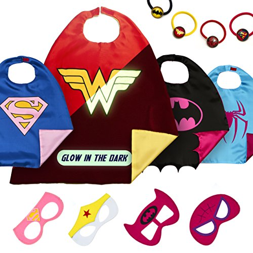 LAEGENDARY Superhelden Kostüme für Kinder - 4 Capes und Masken - Halloween Kostüm - Im Dunkeln Leuchtendes Wonder Woman Logo - Mädchen Spielzeug - Karneval Fasching (Passende Halloween Für Kostüme Drei)