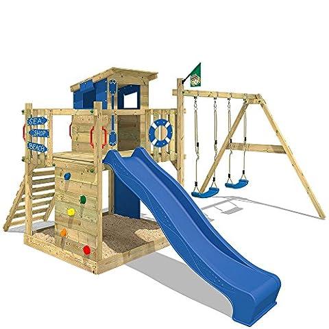 WICKEY Stelzenhaus Smart Camp Holzspielhaus Spielturm Kletterturm mit schrägem Holzdach Doppelschaukel Sandkasten Kletterwand, blaue Plane + blaue