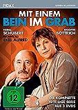 Mit einem Bein im Grab / Die komplette 19-teilige Serie mit Heinz Schubert ( Ekel Alfred ) von Wolfgang Menge ( Ein Herz und eine Seele ) (Pidax Serien-Klassiker) [3 DVDs]