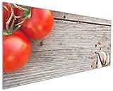 Wallario Küchenrückwand aus Glas, in Premium Qualität, Motiv: Tomaten und Gewürze auf altem Holztisch | Spritzschutz | abwischbar | Pflegeleicht