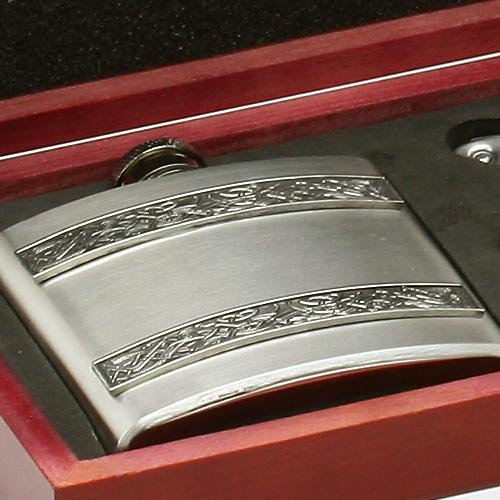 Irish 8oz Hip Flask and Shot Glasses Gift Set in a Wooden Presentation Box by Mullingar Pewter