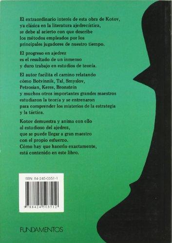 Piense Como Un Maestro - Edición puede variar (Club de Ajedrez), portada con modelos y colores diferentes