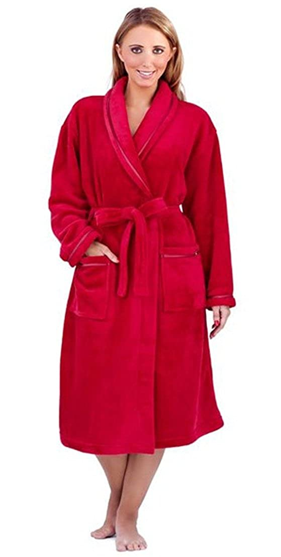 Cosy up in one of our fluffy fleece wraps, or feel relaxed in a glamorous silk or satin dressing gown. Available in sizes up to Shop today.