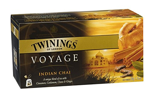 Twinings Voyage - Indian Chai - Schwarzer Tee mit Kardamom, Nelken, Ingwer und Zimt - Vollmundig und Würzig im Geschmack, Erinnert an die hellen Farben und Intensiven Düfte Indiens (25 Beutel) -