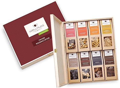 """Weihnachtsgeschenk: 8 Premium Nuss- und Schokoladen-Snacks in der Geschenkbox aus Birkenholz mit der Schmuckverpackung """"Frohe Weihnachten"""""""