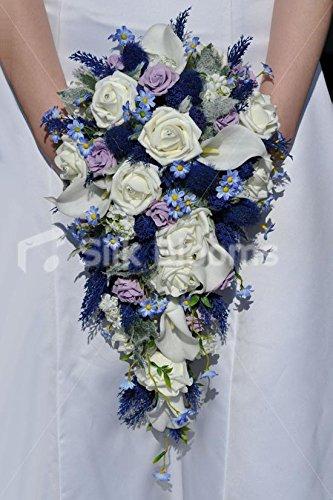 inspire-ivoire-rose-chardon-ecossais-calla-lily-et-daisy-cascade-mariage-bouquet