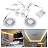 Mmrm ?Neue 2X1.5m Warmes weiß LED Bettlicht mit Bewegungssensor Wake Up Lampe Bett Lichtsensor Streifen mit Batterie-Box dimmbar mit Helligkeitssensor