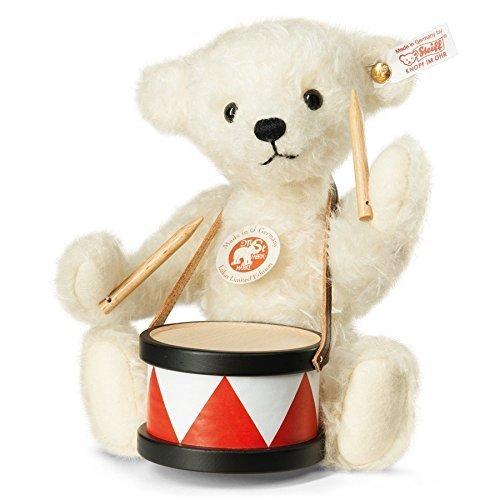 Lukas-Teddy-Bear-by-Steiff