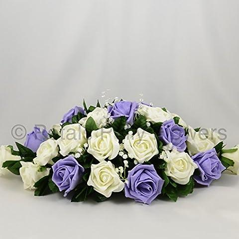 Seide Hochzeit Blumen Handarbeit von Petals Polly, Top Tisch Arrangement, Cremefarben/Elfenbeinfarben/lila