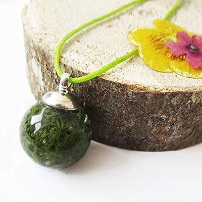 Pendentif Bulle de Mousse sphère en résine et fleurs - Bijou nature Collier végétal en fleurs séchées