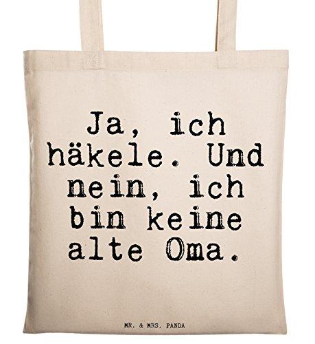 """Mr. & Mrs. Panda Tragetasche mit Spruch """"Ja, ich häkele. Und nein, ich bin keine alte Oma."""" - 100% handmade aus Baumwolle - Tragetasche, Tasche, Beutel, Jutetasche, Bag, Jutebeutel, Einkaufstasche, Motiv, Spruch, bedruckt, Druck Häkeln, Stricken, Oma, Hobby, Handmade, Häkeltante Spruch Sprüche Lustig Spass Geschenk Geschenkidee Zitate"""