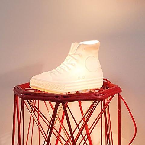 Donkey Products NYC LUX Lampe aus Porzellan Form: Sneaker mit Gewebekabel