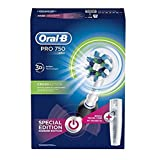 Oral-B PRO 750 CrossAction - Cepillo de dientes eléctrico recargable, pack regalo