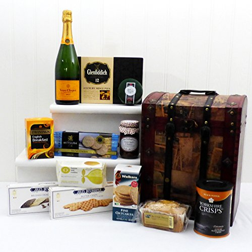 Veuve Clicquot Yellow Label Brut Champagne Hamper presented in a Vintage Wooden Chest - Gift ideas for Birthday, Anniversary and Congratulations Presents