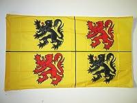 Le drapeau de la Province du Hainaut de la marque AZ FLAG est réalisé en polyester de haute qualité et comporte un fourreau pour pouvoir y insérer une hampe. Les bords sont renforcés et les coutures doublées pour une résistance optimale. Ce drapeau d...