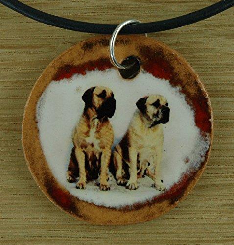 Echtes Kunsthandwerk: Schöner Keramik Anhänger mit zwei Mastiffs; Canis lupus familiaris, Vierbeiner, bester Freund des Menschen (Mastiff Kette)