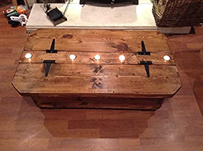 Morbihan A rustic storage coffee table with 5 tealight recesses