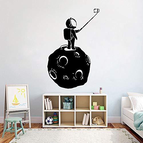 Geiqianjiumai Raum Universum Mond Astronaut Selfie Teen Wandaufkleber Wasserdicht Dekorative Wandkunst 75,6X50,4 cm