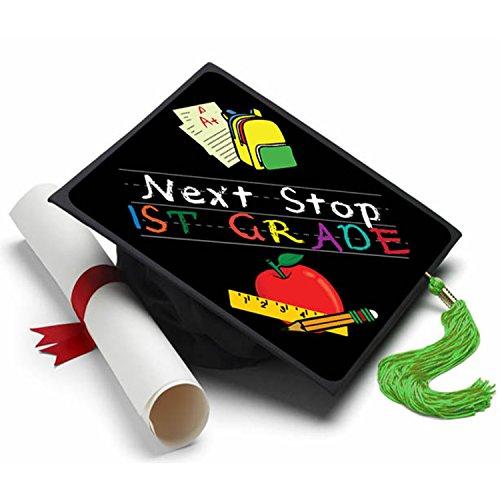 Tassel Toppers Quastenaufsätze Next Stop First Grade Graduation Cap Dekorationen für Graduation Cap (Pre K Graduation)
