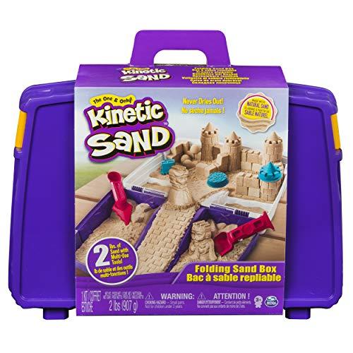 *Kinetic Sand 6037447 – Kinetic Sand Sandspiel Koffer, Spielsand, Kneten, Sandförmchen, Vorschulkind, Geschwisterspiele*