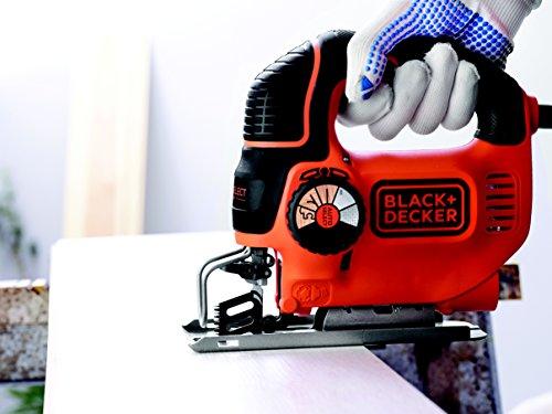 Black + Decker 620W Pendelhub-Stichsäge AutoSelect, Schnitttiefe 90 mm, Geradschnitt-Holzsägeblatt, Koffer, KS901SEK - 6