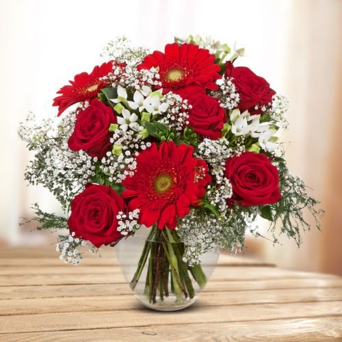 blumenstrauss-liebesuberraschung-oe-28-cm-mit-roten-und-weissen-rosen-germini-bouvardien-und-schleie