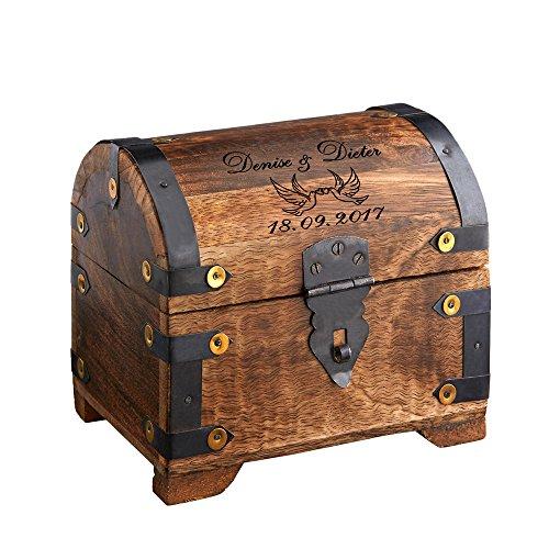 Casa Vivente Große Geld-Schatztruhe mit Gravur - Liebestauben - Personalisiert mit Namen und Datum - Schmuckkästchen aus dunklem Holz - Verpackung für Geldgeschenke - Hochzeitsgeschenke für Brautpaar - Geld Personalisierte