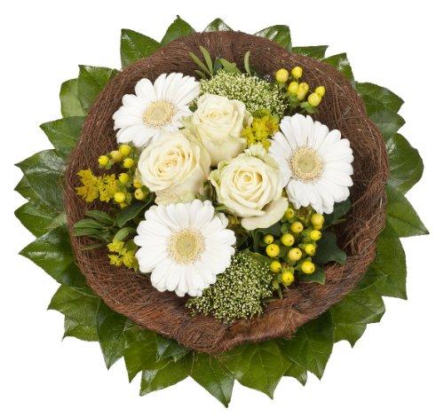 """floristikvergleich.de Dominik Blumen und Pflanzen, Blumenstrauß  """"White Dream"""" mit weißen Rosen"""