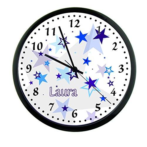 Wanduhr mit Wunsch - Namen für Kinderzimmer ; einzigartige Kinderuhr ; Rahmen schwarz ; Kinder Wanduhr mit oder ohne Namen auf Wunsch personalisiert ; Uhr - Motiv Sterne blau Junge