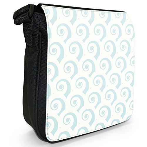 Wirbel & Meeresfarben Kleine Schultertasche aus schwarzem Canvas Muschelartige Wirbel Hellblau