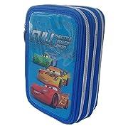 Grazioso borsello porta colori a 3 zip che raffigura i personaggi di Cars del mondo Disney. Il borsello è composto da 3 scomparti ogniuno di essi chiuso con un cerniera, nel primo troverete 1 matita, 2 penne, 1 gomma, 1 temperamatite, 1 righe...