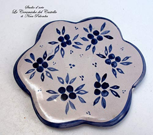 Sottocaffettiera Sottopentola Linea Fiori Blu Realizzato e dipinto a mano Le Ceramiche del Castello Made in Italy Pezzo Unico dimensioni 12,5 x 12,5 centimetri