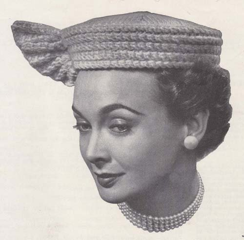 Winged Pill Box Knitted Hat Cap Tam Knitting Pattern (English Edition)
