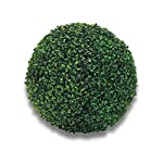 Usa queste sfere affascinanti di Buxus per donare un tocco di eleganza e raffinatezza al tuo giardino.Di facile utilizzo, è possibile posarle semplicemente sul terreno o su un vaso.Ideali per ravvivare anche uffici ed abitazioni.Realizzati in PVC ult...