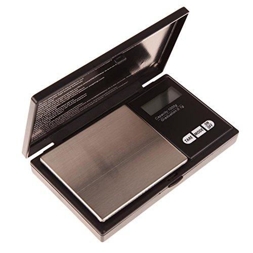Especificación: 1. Capacidad: 1000g 2. Unidades de pesaje: g / ct / oz / ozt 3. Tamaño de la plataforma: 75 * 64 mm 4. Tamaño de la escala: 128 * 74 * 20 mm 5. Resolución: 0.1g Botón de uso: 1. [ON/OFF]: enciende o apaga la báscula. 2. [MODE]: pesar ...