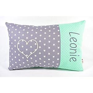 Kissen mit Namen, Geburtskissen, Kissen mit Stickerei eines Herzens und des Namens, grau mit Sternen und mint mit Punkten