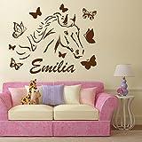 denoda Pferd mit Schmetterlingen - Wunschname - Wandtattoo Pink 63 x 50 cm (Wandsticker Wanddekoration Wohndeko Wohnzimmer Kinderzimmer Schlafzimmer Wand Aufkleber)