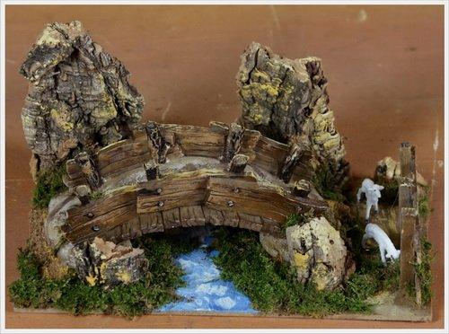 Rossi Rosa - Ponte sul Fiume con Pecora, in Resina, Dimensioni 20 x 14 x 12 cm, Multicolore, Taglia Unica