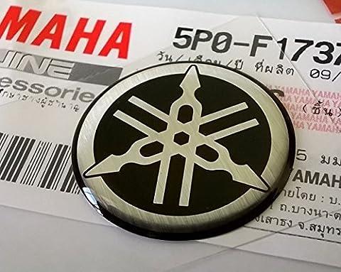 100% GENUINE 25mm Diamètre YAMAHA TUNING FOURCHE Autocollant Emblème Logo Argent / Noir surélevé bombé Gel Résine Autoadhésif Moto / Jet Ski / ATV / Motoneige