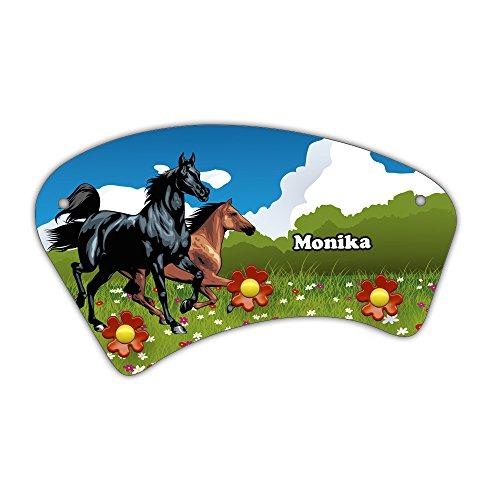 Wand-Garderobe mit Namen Monika und schönem Pferde-Motiv für Mädchen - Garderobe für Kinder - Wandgarderobe
