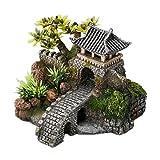 Europet Bernina Décor pour Aquarium en Polyrésine Cottage avec Pont et Plantes 15,7 x 13,5 x 11,5 cm