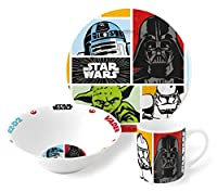 3 Piece Porcelain Meal Set. Dish Washer and Microwave Safe. In un Presentation Box. Con licenza ufficiale Lucasfilm Ltd. Set consists of.... Plate 19 cm. Bowl 16 cm. Mug 8oz.