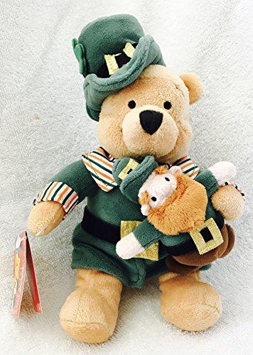 Disney Store, Winnie the Pooh gekleidet als St. Patricks Day Pooh, weiche Plüsch Puppe Spielzeug - Pooh in grünem Kleid und Hut