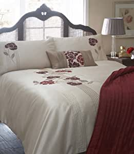 Dreams 'n' Drapes Blanche King Quilt Set, Red