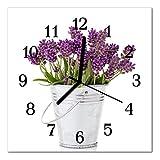 Glasuhr von DekoGlas 30x30cm quadratisch Bilderuhr aus Acrylglas mit lautlosem Quarzuhrwerk Dekouhr Glaswanduhr Uhr aus PMMA Wanduhren Küchenuhr Wanddekoration Glasbilder Lavendel violett